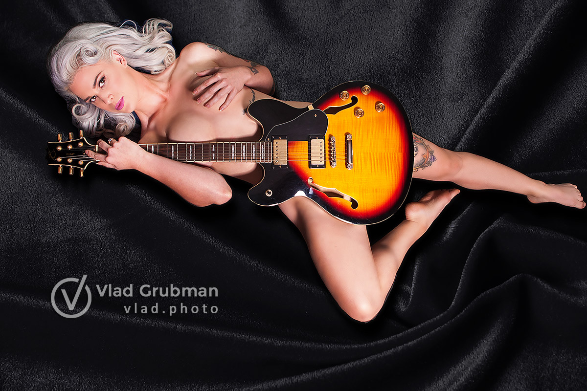 Gallery of Intimate Boudoir Photography by WannaGlow.com